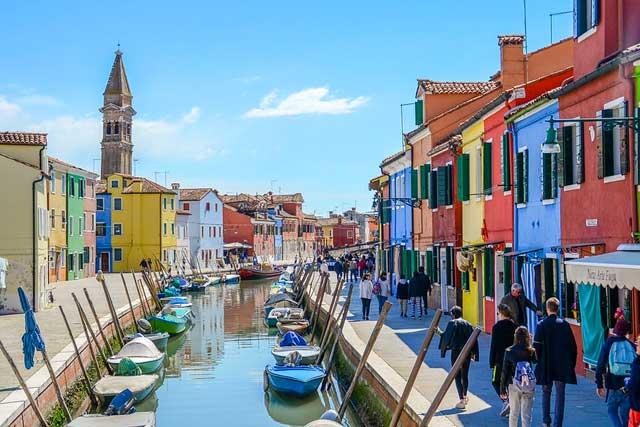 ベネツィアのブラーノ島