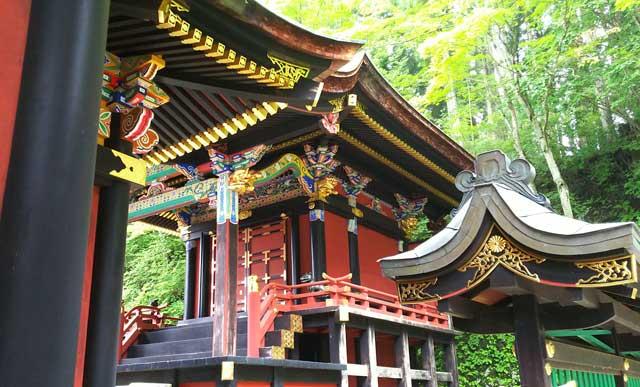 三峯神社・社殿