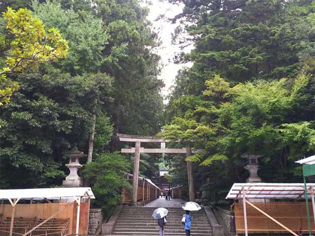 彌彦神社・二の鳥居