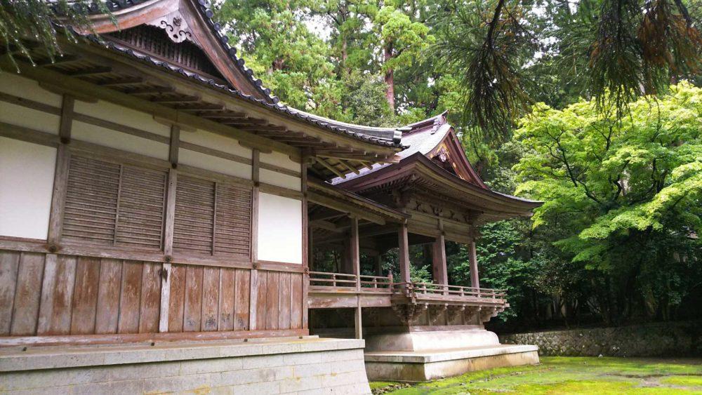 彌彦神社「舞殿」「楽舎」