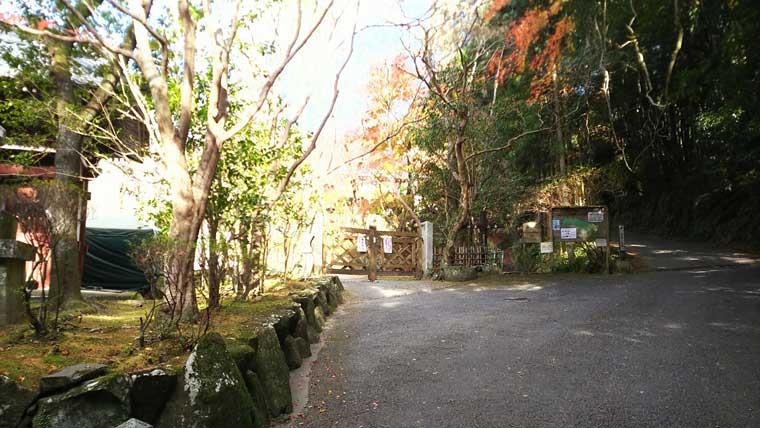 本山寺への道