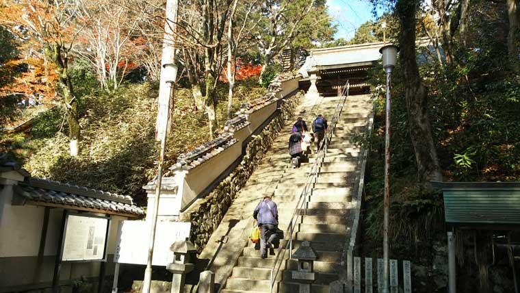 本山寺の階段
