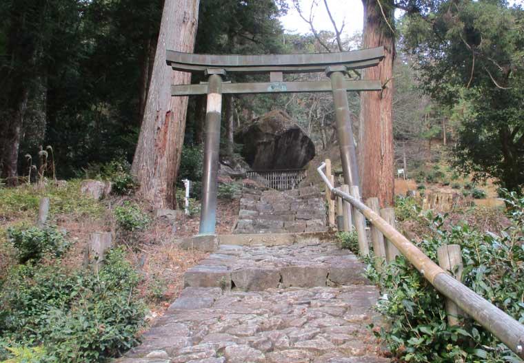 岩屋神社(妙見神社)